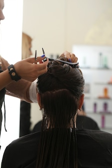 Женщина в парикмахерской