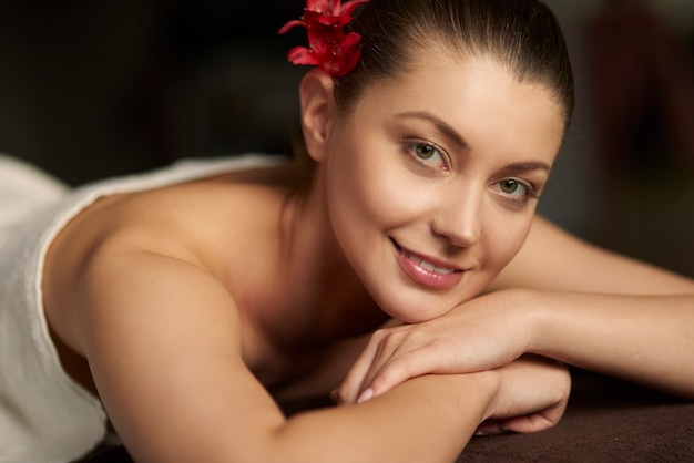 Woman relaxing in the spa