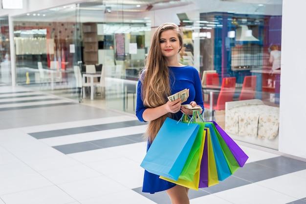 여자 쇼핑 중독 쇼핑 달러 메모를 계산