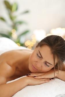 Donna in spa
