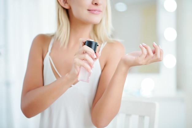 女性用スプレー香水