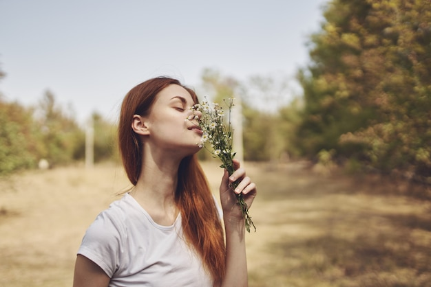 女性旅行休暇植物太陽の自由の旅