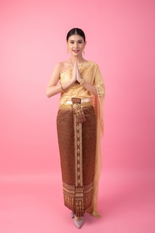 A woman wearing an ancient thai dress