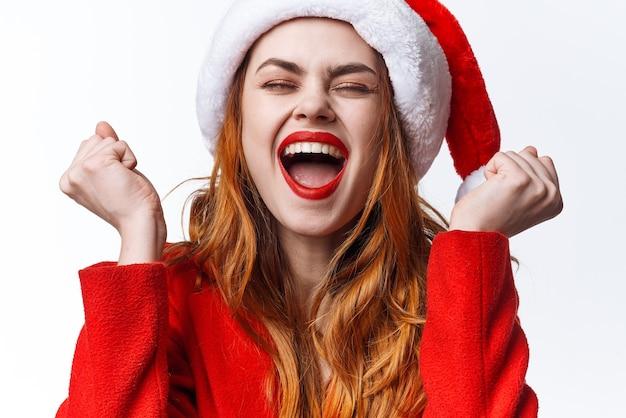 クリスマスの服を着ている女性ファッションスタジオポーズ感情贅沢