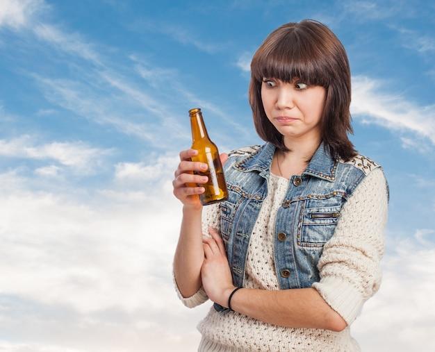 ビールと女