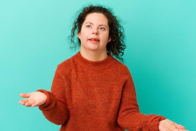 고립 된 다운 증후군을 가진 여자