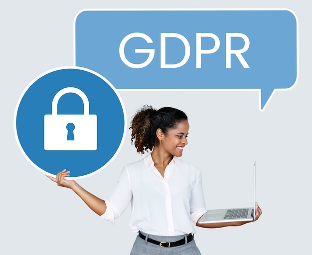 Woman with a gdpr speech bubbe holding a padlock icon Free Photo