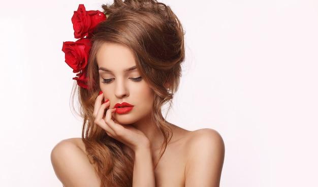 Женщина с розами