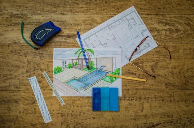 작업, 테이블, 건축가, 엔지니어에 투영하는 여자.