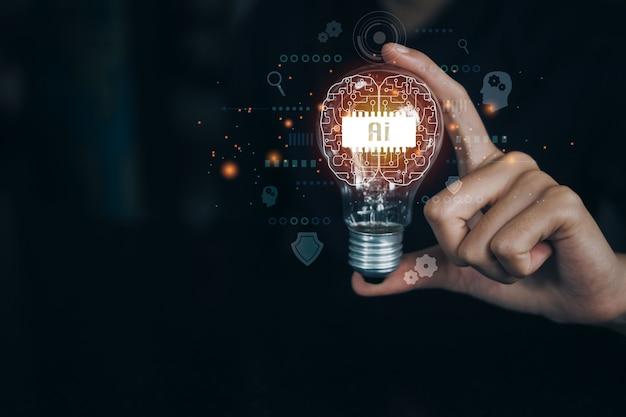 전구를 들고 있는 여성, 혁신적인 기술과 창의성을 갖춘 새로운 아이디어의 아이디어. 창의적인 아이디어. 아이디어와 혁신의 개념