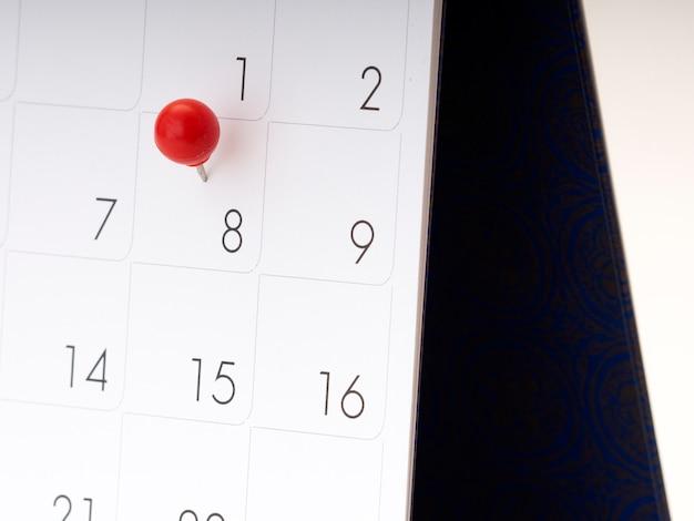 빨간 핀 달력에 여성의 날.