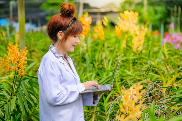 Women's orchid researchers are exploring and documenting the characteristics of orchids