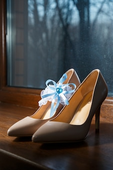 女性の結婚式の革靴