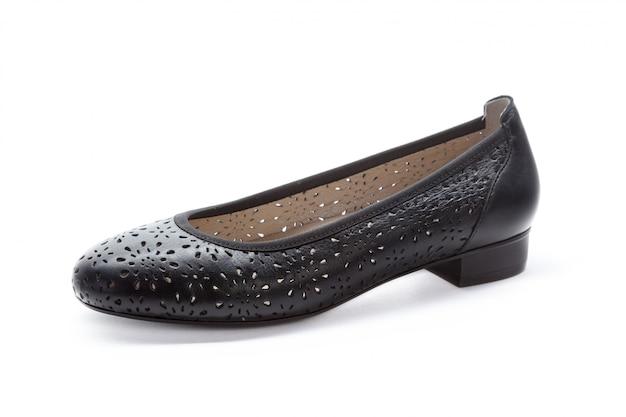 白い背景に分離された平底の女性靴