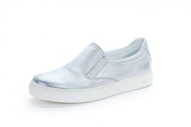 白で隔離フラットソールの女性靴