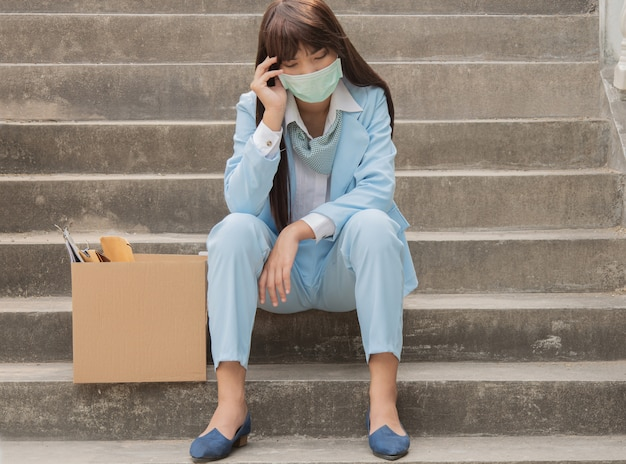Women who are unemployed in economic conditions have problems and epidemics.