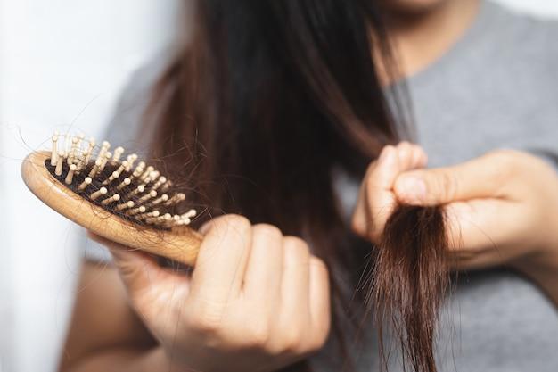 Женщины с выпадением волос