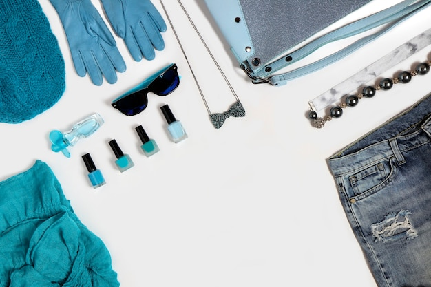 파란색의 여성 패션 액세서리