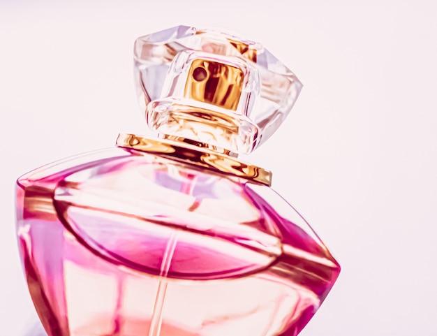 ヴィンテージフレグランスオーデコロンとしてのレディース香水ピンクケルンボトルホリデーギフトとしての高級香水...