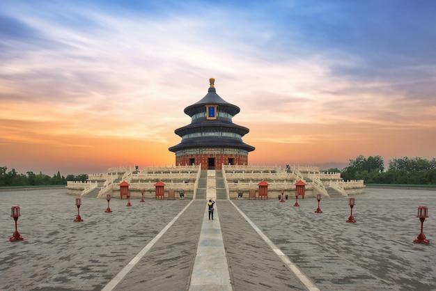 Замечательный и удивительный пекинский храм - храм неба в пекине, китай.