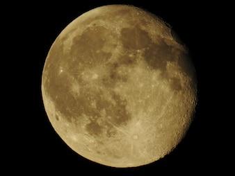 Wonderful super moon in detail