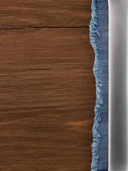 Текстура древесины и синие джинсы