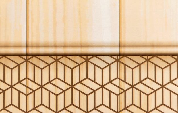 コピースペースの木目調内壁モールディング付き壁