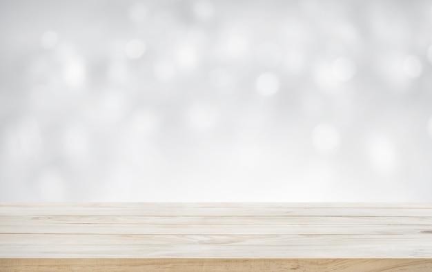 Деревянная столешница на белом абстрактном