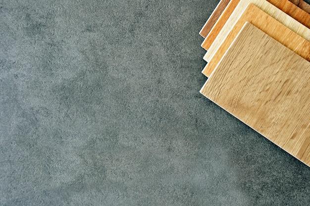 디자인 및 장식을위한 자연 패턴이있는 나무 질감 목재 라미네이트 마루 또는 합판 샘플 인테리어 건축 및 건축 또는 가구 용 목재 질감 라미네이트 베니어 재료
