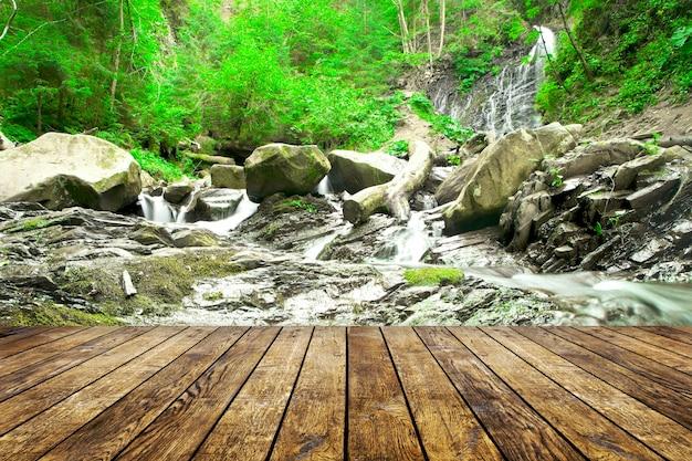Waterfallt 배경에 방 인테리어에 나무 질감 배경
