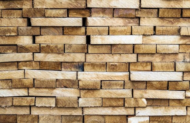 木造建築材料の背景やテクスチャ。木材、自然な木製の背景のスタック。
