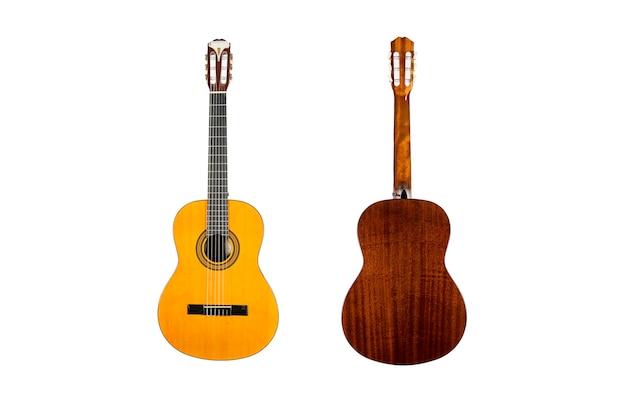 흰색 배경 위에 절연 나무 어쿠스틱 기타
