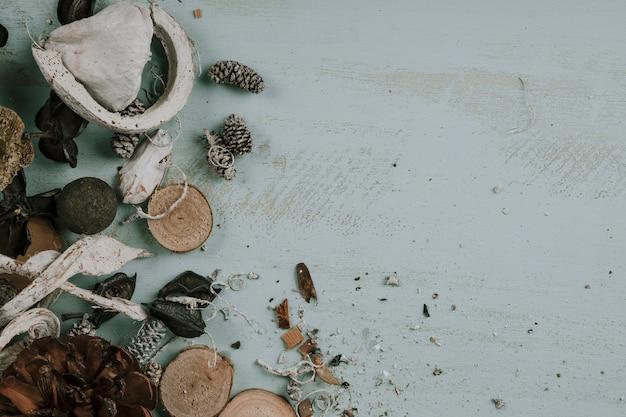 木製の秋の要素