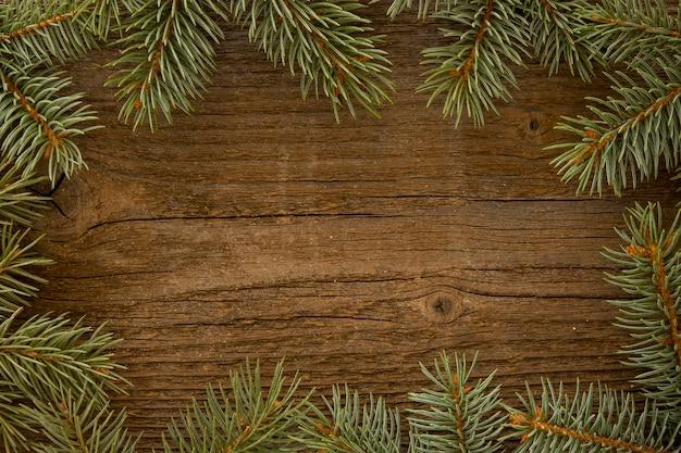 松葉と木製の背景