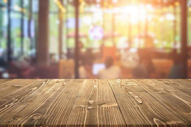 カフェでの製品展示用の木の板