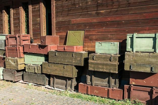 무기 보관 및 운송을위한 나무 상자