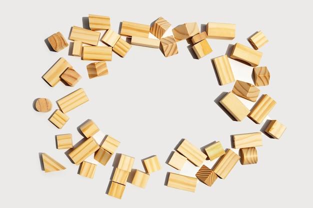 木製のビルディングブロック。