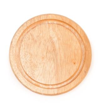 白い背景で隔離の木製チーズボード