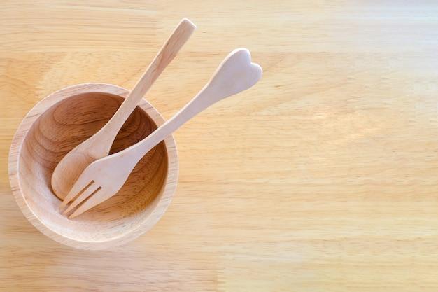 Wooden dining utensils