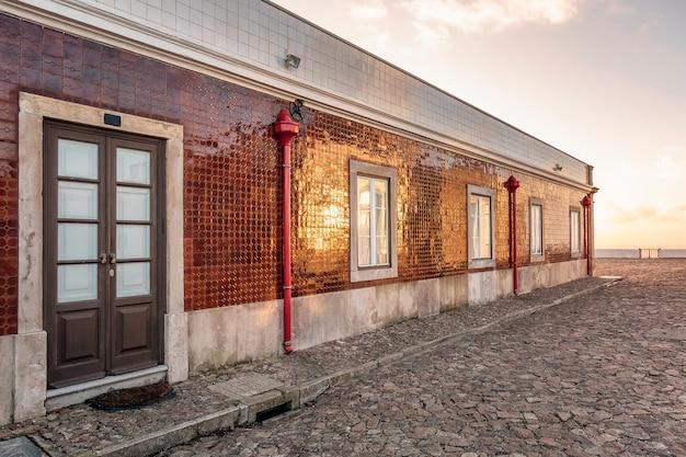 Деревянная дверь португалия