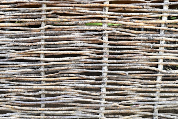 日本庭園の桿体で作られた木製の柵