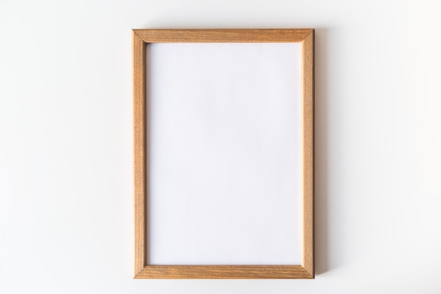 絵画や写真のための木製フレーム。