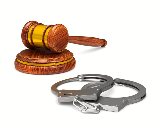 Деревянный молоток и наручники на белом фоне. изолированная 3-я иллюстрация