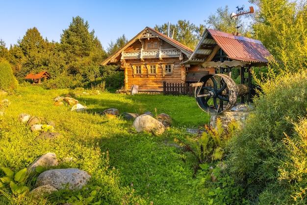 Деревянный дом образец древнерусского зодчества село святогорово дмитров
