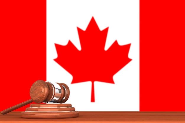 カナダの旗と木製の正義のガベル