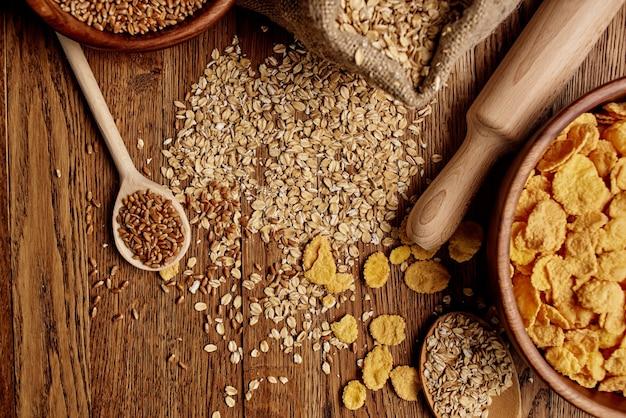 木製キッチンアイテム健康的な朝食木製の背景