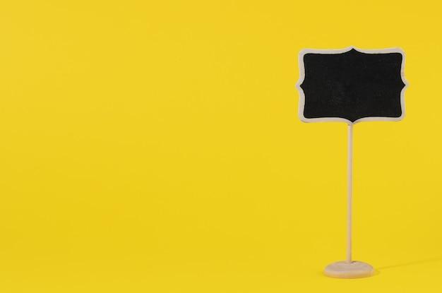 Деревянный указатель на палочке для написания текста, желтая поверхность, копировальный сас