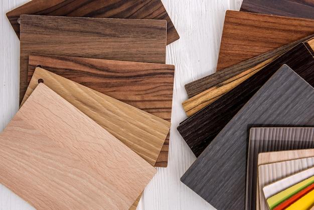 表面の木製サンプラーがクローズアップ。