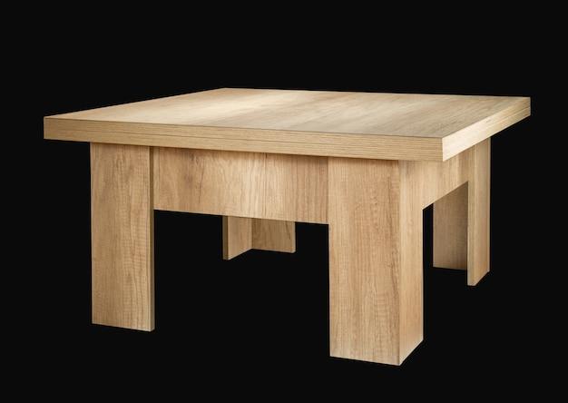검정색 배경에 고립 된 나무 테이블입니다.