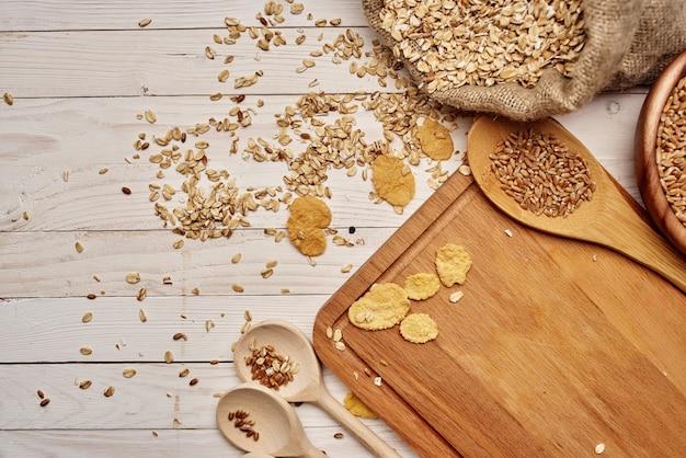 木製食器健康的な朝食木製の背景